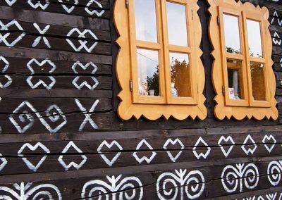 Drevenicacicmany.sk | Drevenica Čičmany | Pohľad zboku