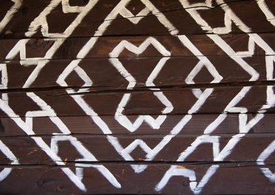 Drevenicacicmany.sk | Drevenica Čičmany | Ornament na stene